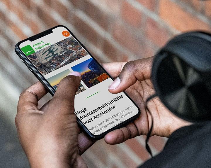 Afbeelding van de app van bouwbedrijf BAM op een iPhone