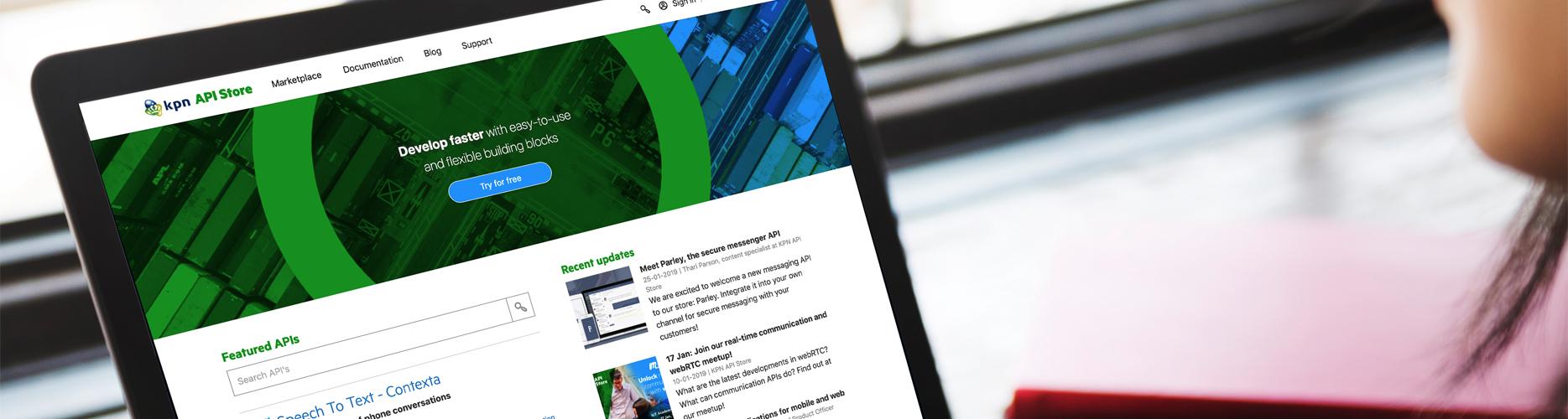 Sfeerafbeelding van de KPN Api store op een laptop