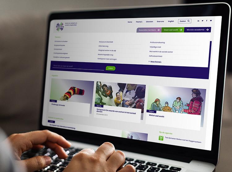 Een overzicht van de website van Movisie afgebeeld op een macbook