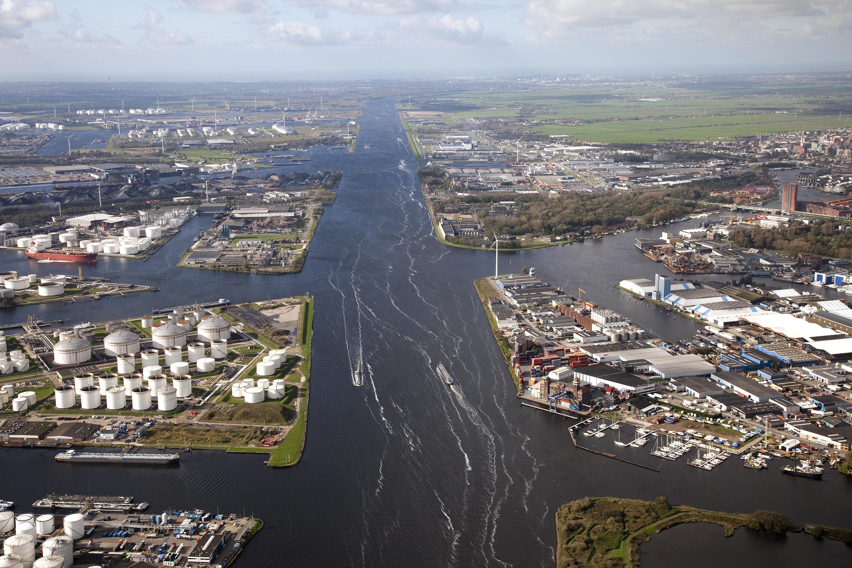 Sfeerafbeelding van de haven van Amsterdam